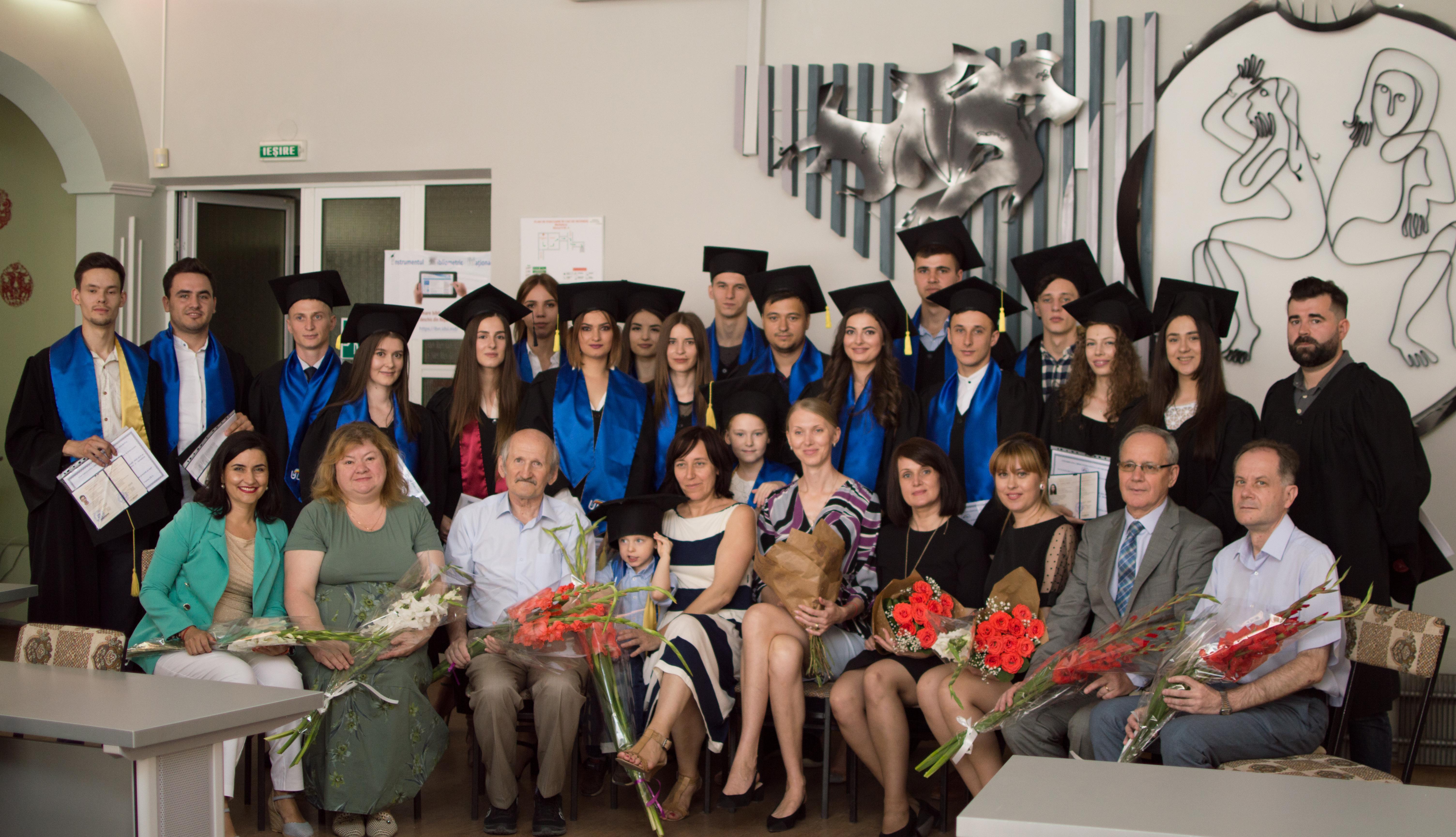 Facultatea Relații Internaționale, Științe Politice și Jurnalism și-a decernat absolvenții cu Diplome de Licență și de Master