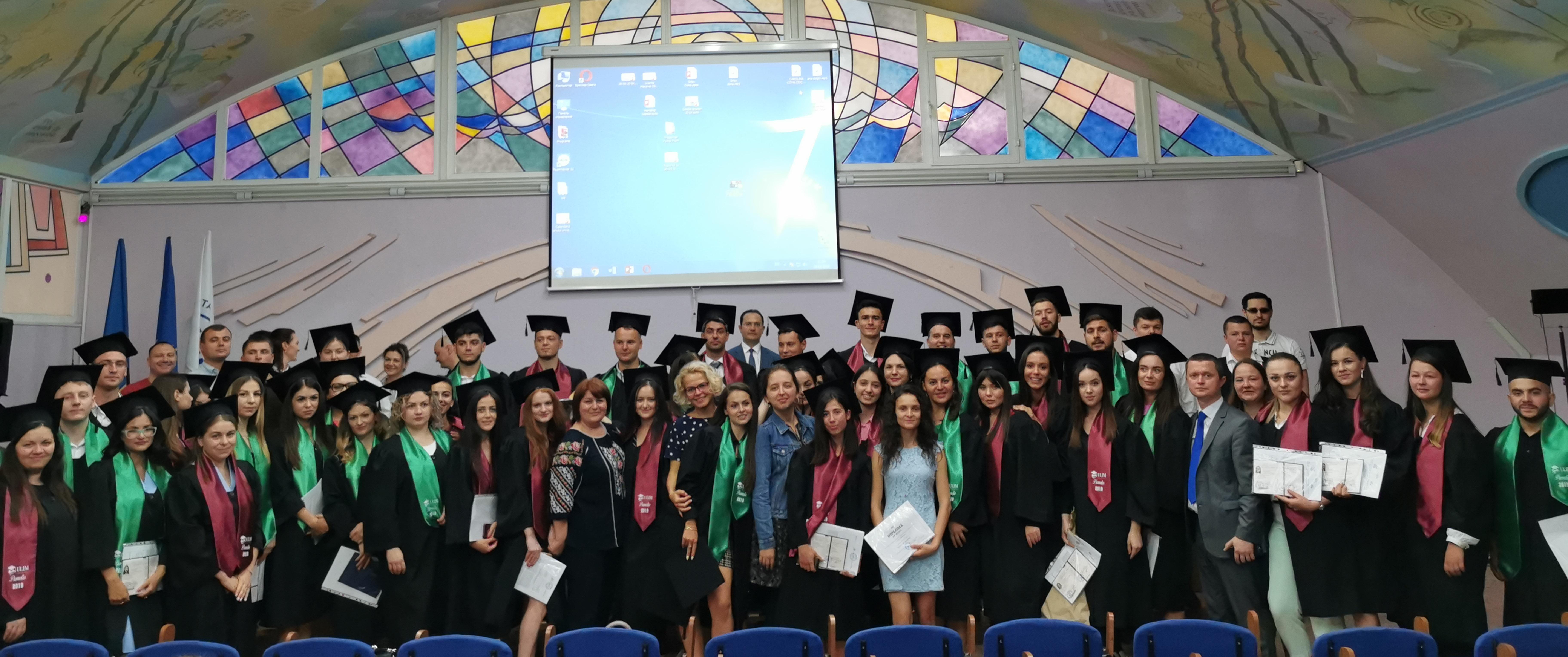 Absolvenții facultății Drept au celebrat finalizarea studiilor superioare de licență