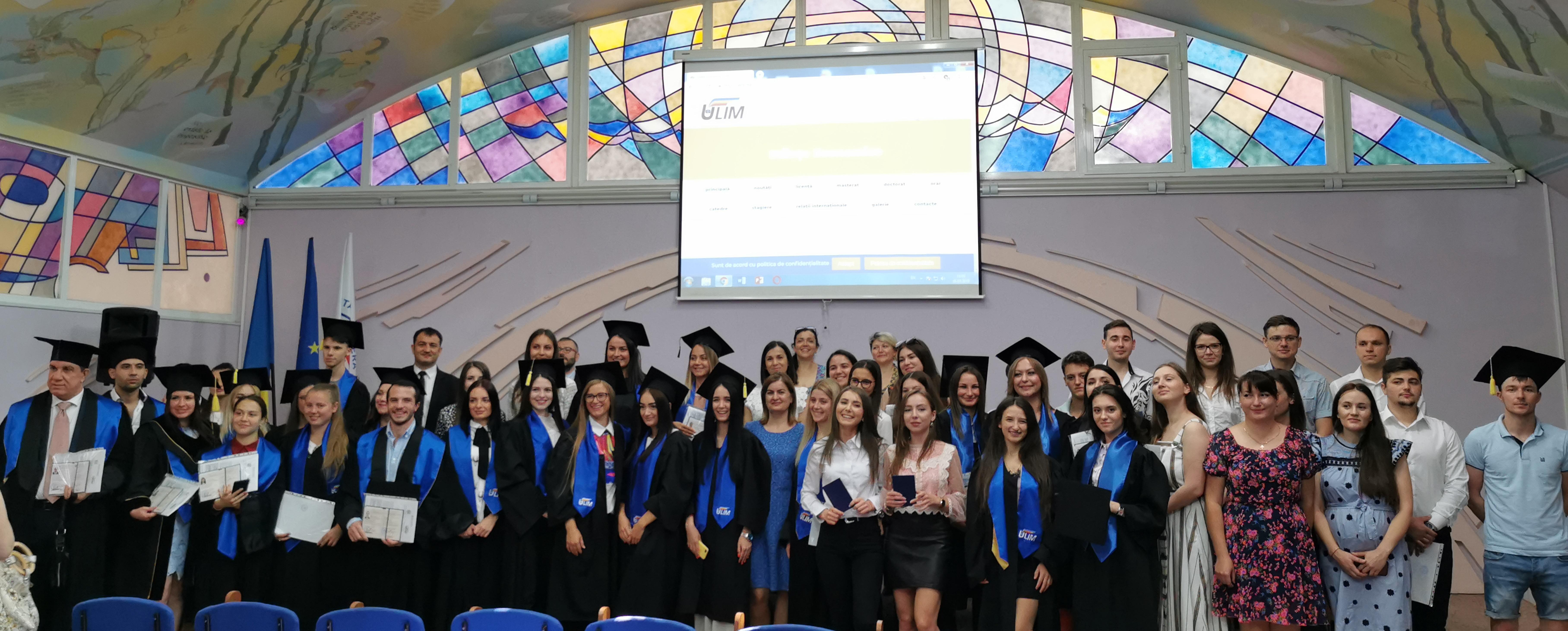 Ceremonia de absolvire la facultatea Științe Economice