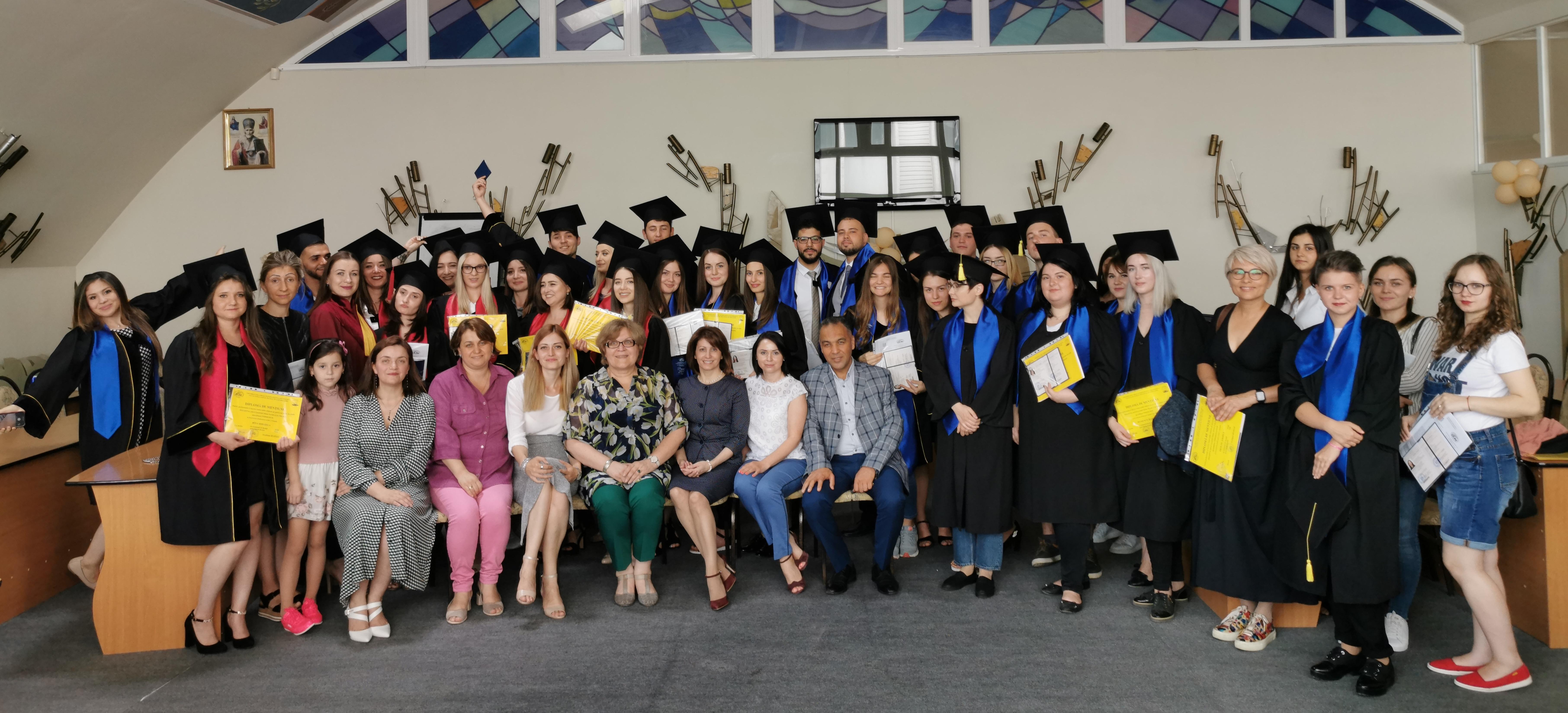 Ceremonia de decernare a Diplomelor de Licență la Facultatea Științe Sociale și ale Educației