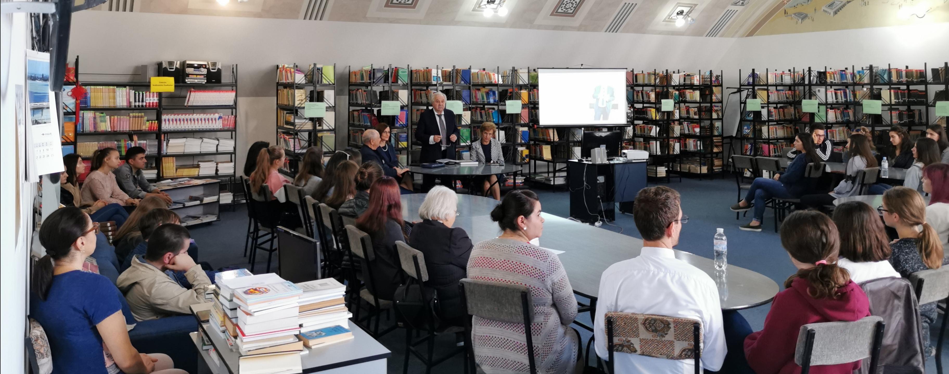 De Ziua Internațională a Traducătorului, Academicianul Valeriu Matei, în dialog plurilingv cu studenții Facultății de Litere