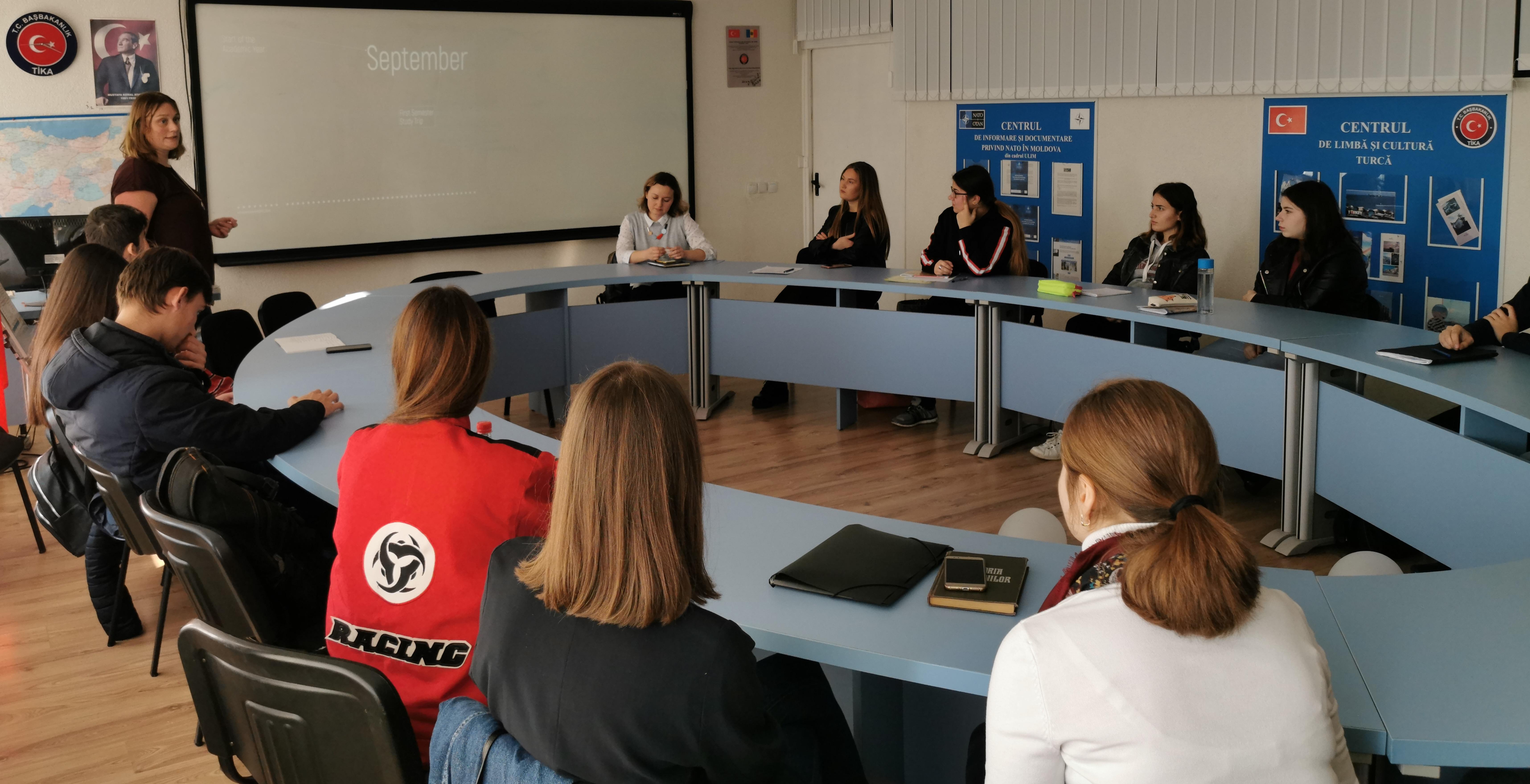 Sesiunea de informare a burselor de studii  oferite de Colegiul Europei