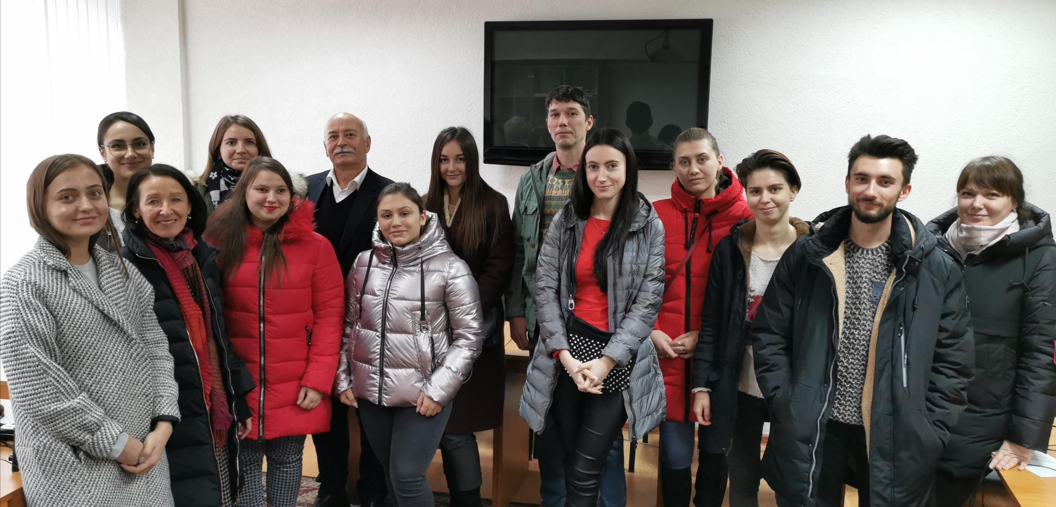 Panel de discuții cu scriitorul, psihologul și pedagogul Aurelian Silvestru