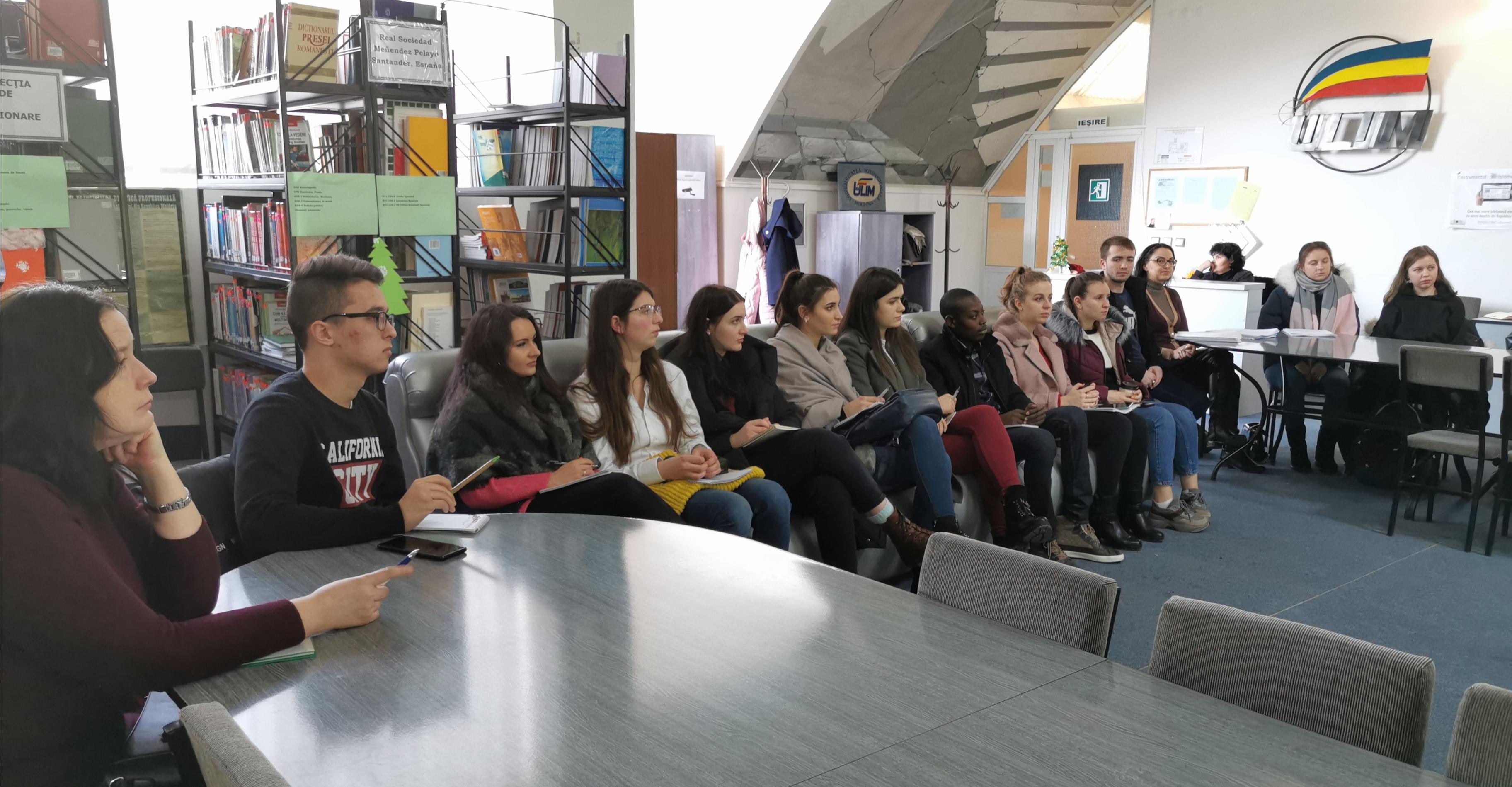 "Seminar intercultural ""Embracing Voices and Expanding Viewpoints"", prezentat de Dr. Danielle Aldawood (Arizona State University, SUA), pentru studenții de la Facultatea de Litere"