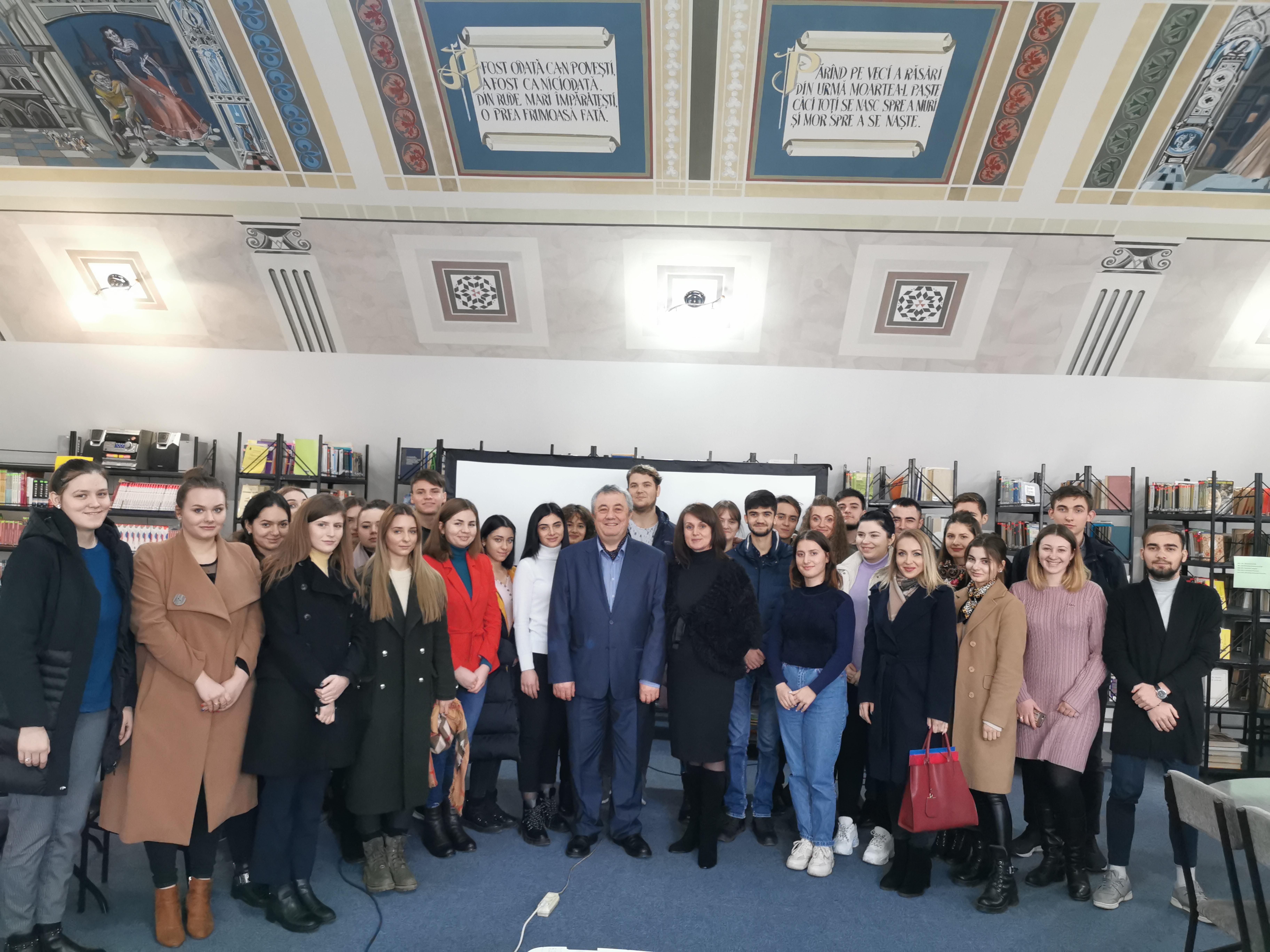 Diplomatul Valeriu Turea, în dialog cu studenții de la Facultatea Relații Internaționale, Științe Politice și Jurnalism, despre provocări și performanțe profesionale