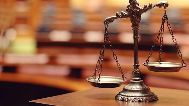 """Rubrica """"Întreabă un jurist"""". Libertatea opiniei și a exprimării"""